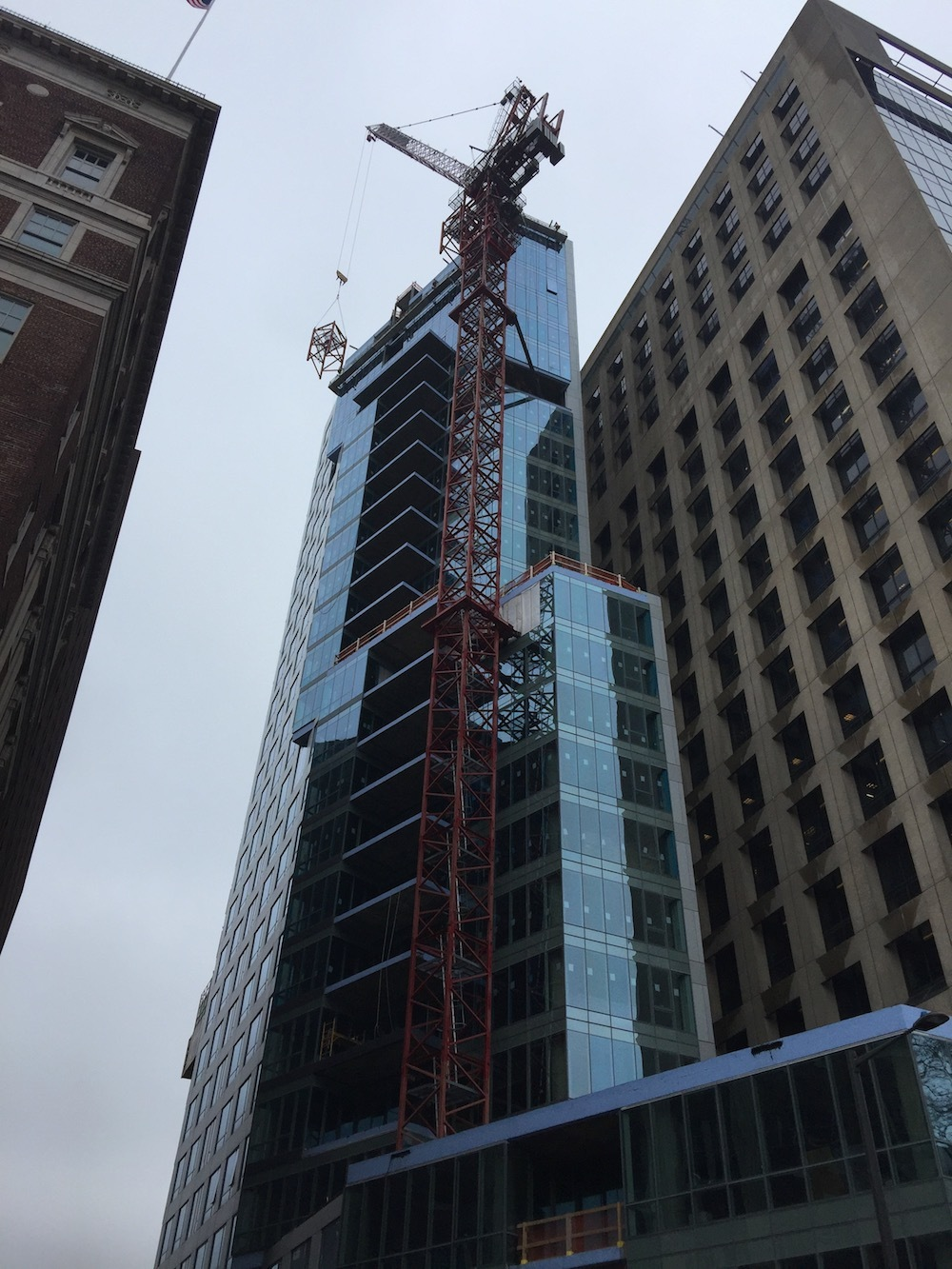 Crane Dismantling 500 Walnut St - March 27, 2017